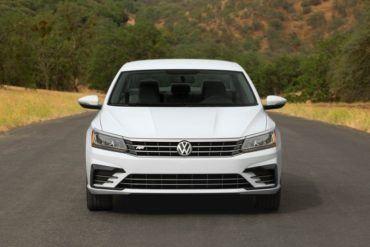 2016 Volkswagen Passat 107 876x535