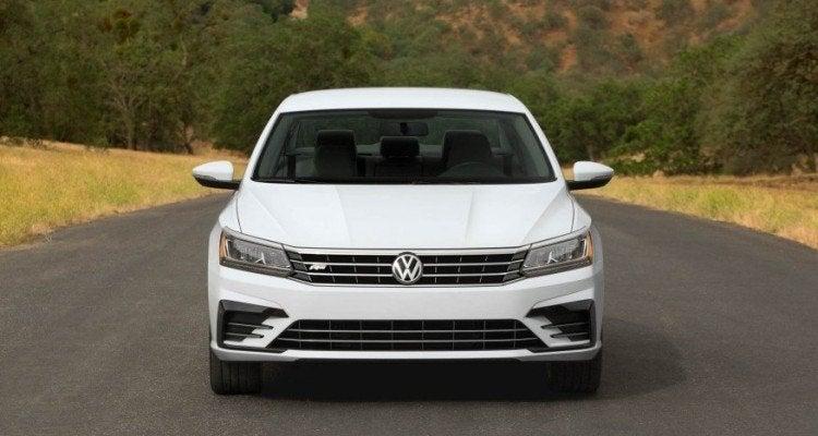 2016 Volkswagen Passat R-Line Front Fascia