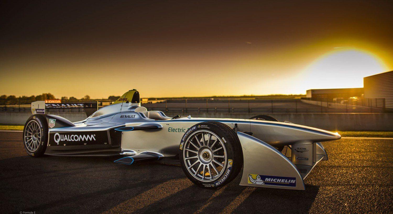 Formula E Announces Driverless ROBORACE