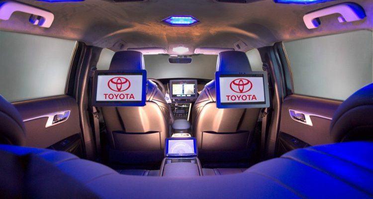 2016 NAIAS Kymeta Mirai 04 750x400 - Toyota Shows Vehicle With Satellite Communications Ability