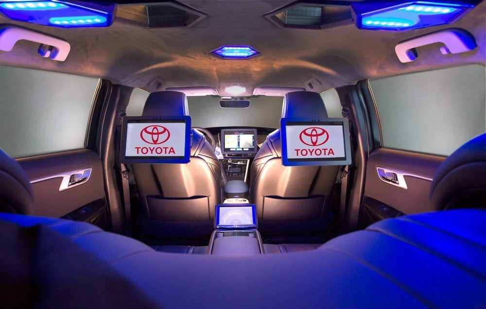 Toyota Shows Vehicle With Satellite Communications Ability