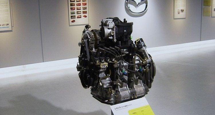 800px-Mazda_rotary_engine