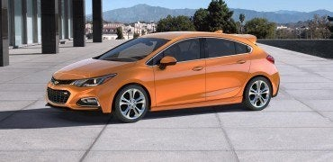 9cacebd4 302a 4986 8f2a 1b208181197c 370x180 - First Look: 2017 Chevy Cruze Hatchback