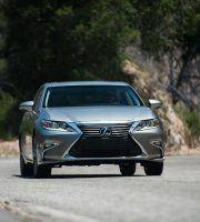 2016_Lexus_ES_350_4