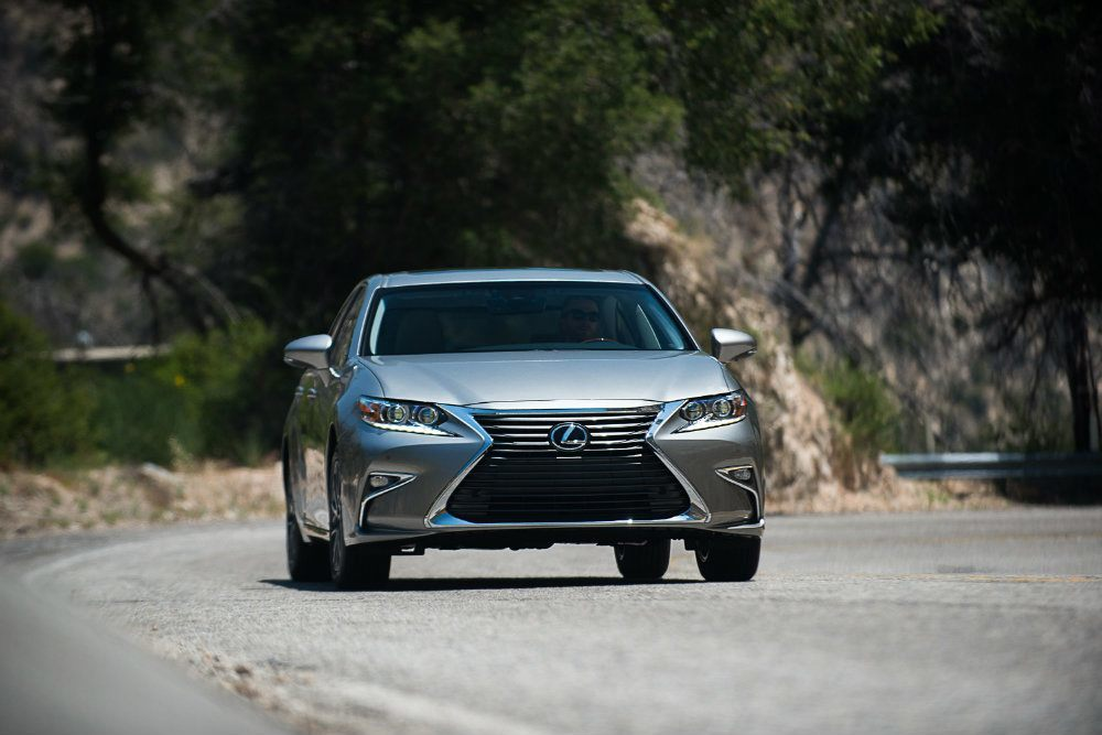2016 Lexus ES 350 4-Door Sedan Review