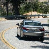 2016 Lexus ES 350 5 200x200 - 2016 Lexus ES 350 4-Door Sedan Review