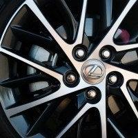2016 Lexus ES 350 7 200x200 - 2016 Lexus ES 350 4-Door Sedan Review