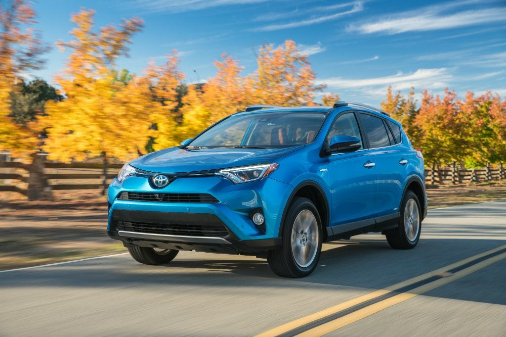 2016 toyota rav4 hybrid limited awd review carhoots. Black Bedroom Furniture Sets. Home Design Ideas