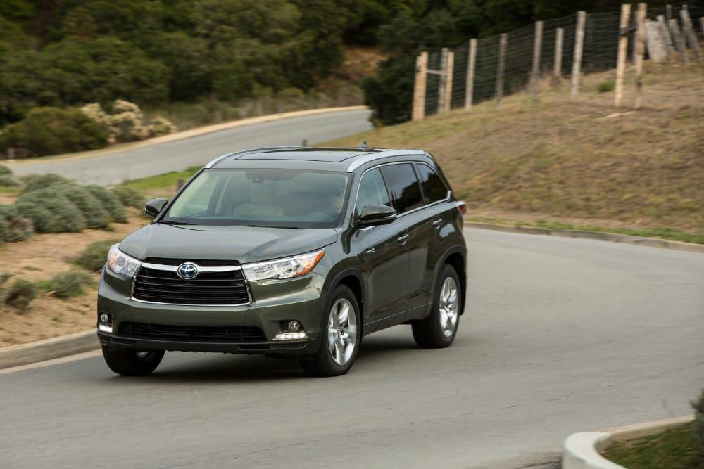 2014_Toyota_Highlander_Hybrid_Platinum_001