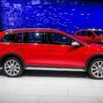 2017 Volkswagen Golf Alltrack 1031 876x535