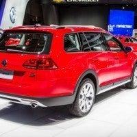 2017 Volkswagen Golf Alltrack Right Rear Three Quarters