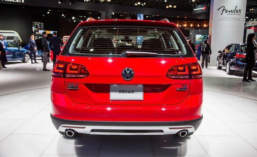 2017 Volkswagen Golf Alltrack Rear Fascia