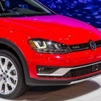2017 Volkswagen Golf Alltrack Headlight and Fog Light