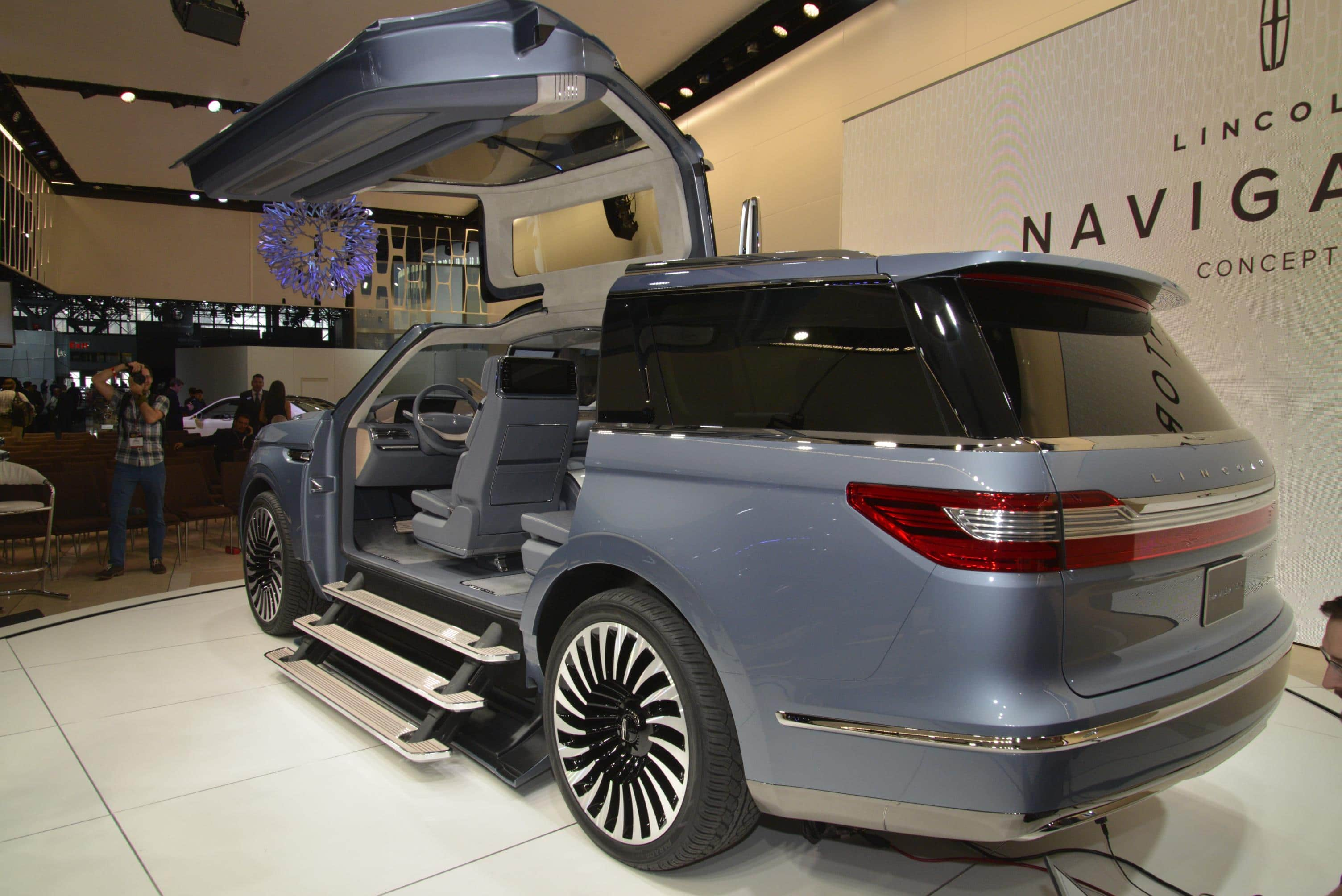 Lincoln Navigator Concept 4