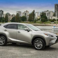 2015_Lexus_NX_200t_003