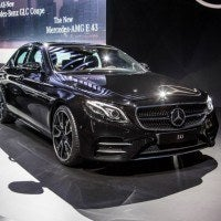 2017 Mercedes-AMG E43 Right Front Three Quarters