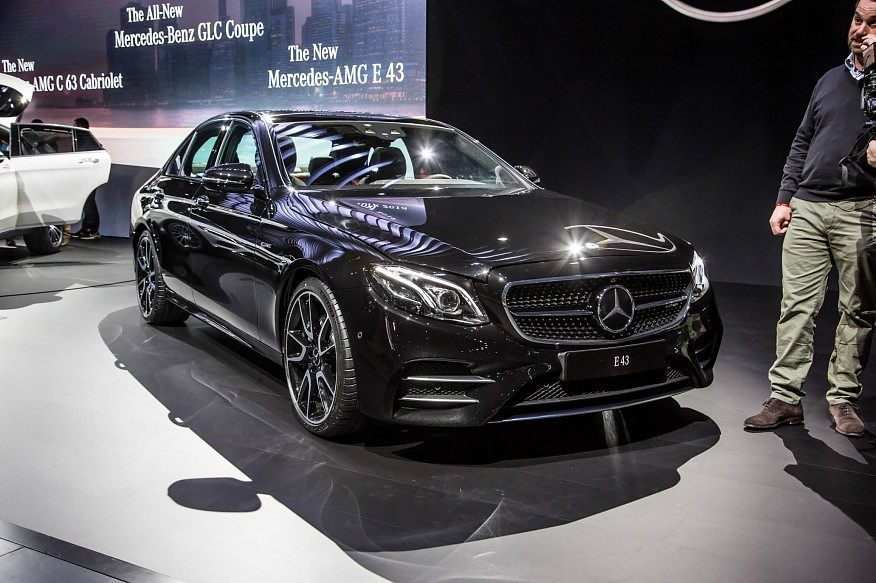2017 Mercedes Amg E43 Right Front Three Quarters