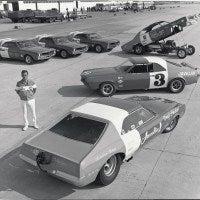 AMCPage100 200x200 - Automoblog Book Garage: American Motors Corporation