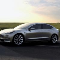 Tesla Model 3 side