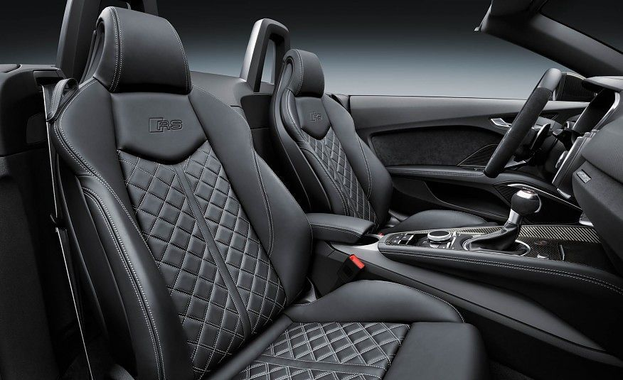 Audi TT RS Roadster Front Seats