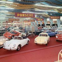 Six months after the Frankfurt debut, Porsche showed a Quick Blue–painted 911 prototype, chassis 13 326, along with a bright red 904 at the Geneva, Switzerland, auto show. Porsche shared show space with Volkswagen. Porsche Archiv