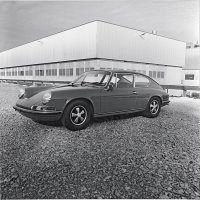 The four-seater idea continued to fascinate Porsche, and in October 1969, Pininfarina delivered its concept of a new four-seater 911. Assembled on chassis 320020, it used an S engine developing 180 horsepower. Porsche Archiv