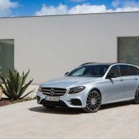 2017 Mercedes-Benz E400 4MATIC Wagon Right Front Three Quarters