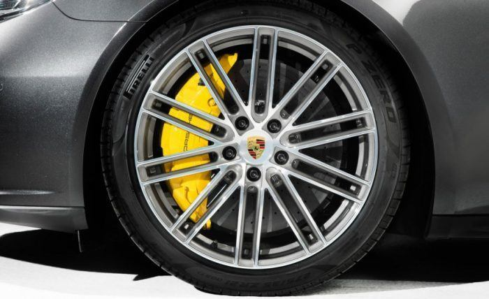 2017 Porsche Panamera Turbo Carbon-Ceramic Brakes