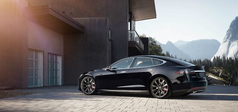 Tesla Motors Carries Level 5 Autonomy Banner Further