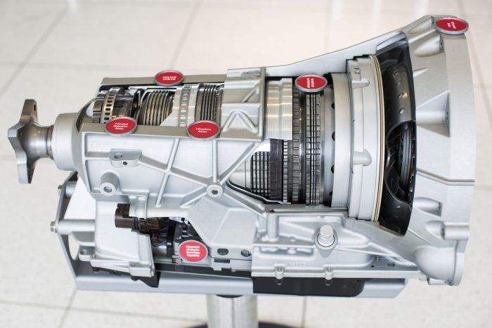 The 10-speed transmission uses advanced materials and alloys to save weight, and it is the first Ford gearbox that does not use cast-iron components. Photo: Ford Motor Company