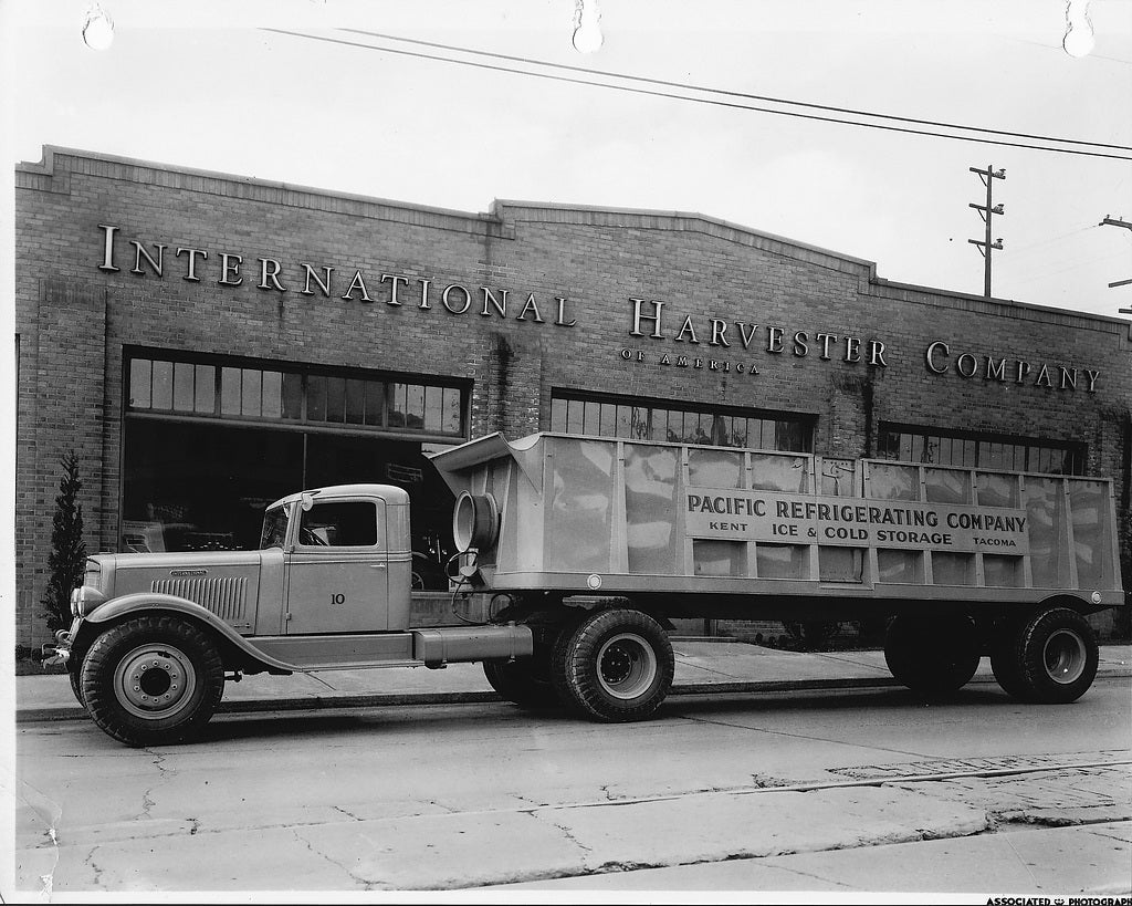 Automoblog Book Garage: International Harvester Trucks 15