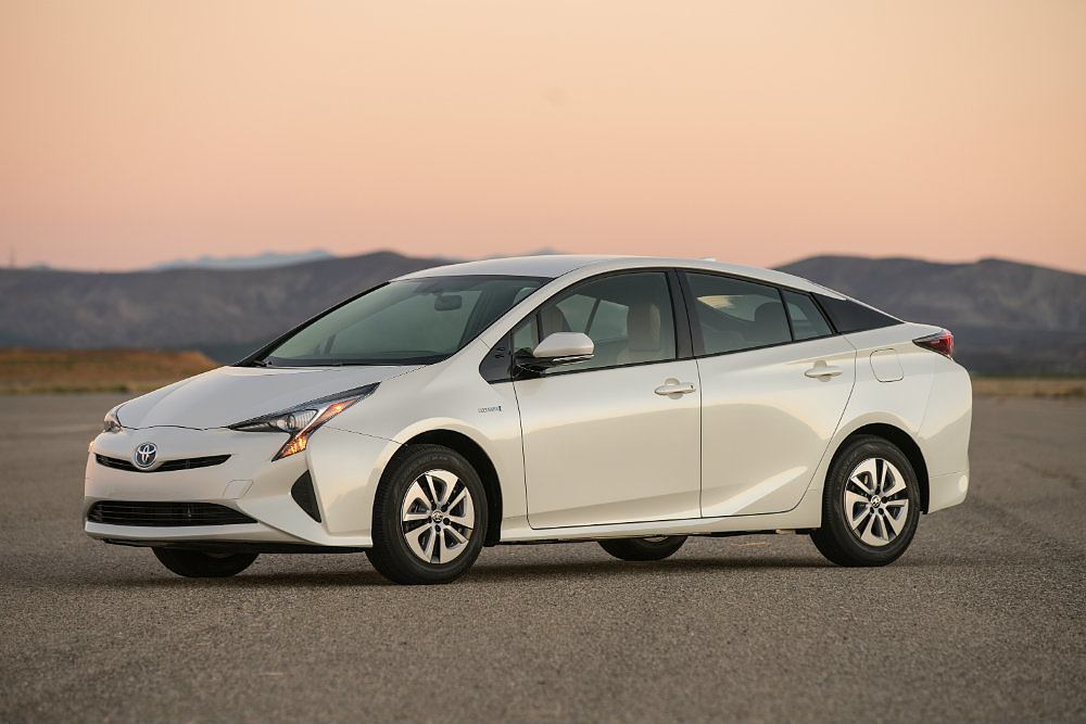 2016 Toyota Prius Two Eco Drivers Side Profile