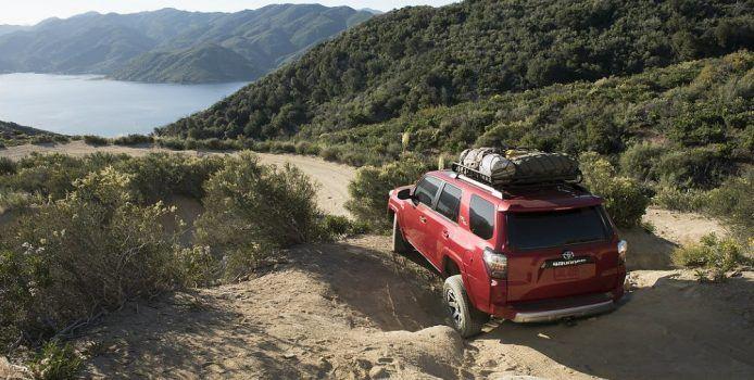 2017 Toyota 4Runner TRD Off-Road Premium Crawling