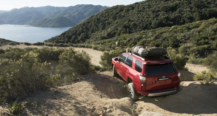 2017 Toyota 4Runner TRD Off-Road Premium Crawling