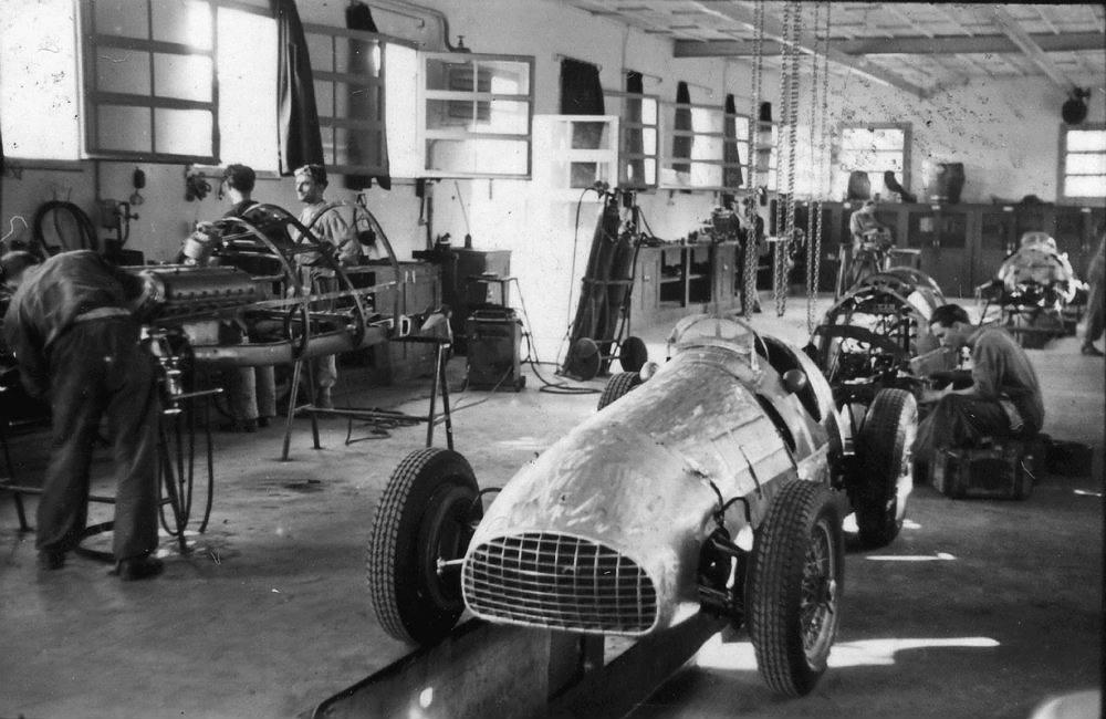 Automoblog Book Garage: Ferrari Hypercars