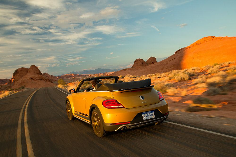 2016 Volkswagen Beetle Dune Sunset Cruise