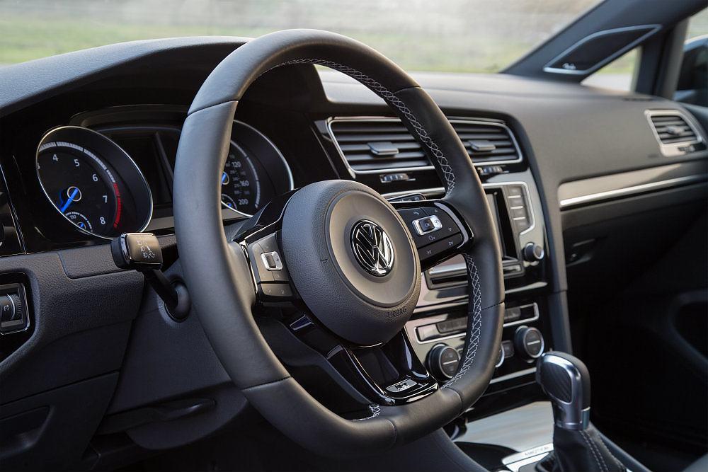 2016 Volkswagen Golf R Steering Wheel