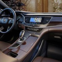 2017 Buick LaCrosse Gear Level and Center Cup Holders