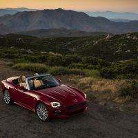 2017 Fiat 124 Spider Lusso Horizon Photo