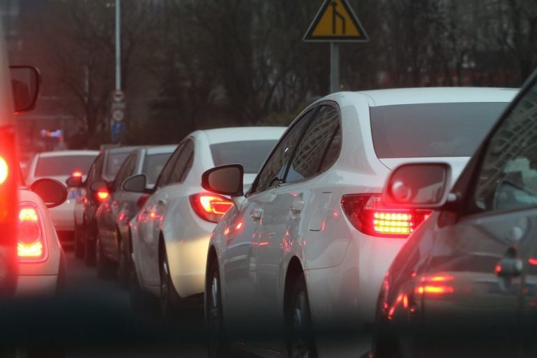 8 Traffic Jam Etiquette Tips To Help Keep Your Sanity (Infographic) 22