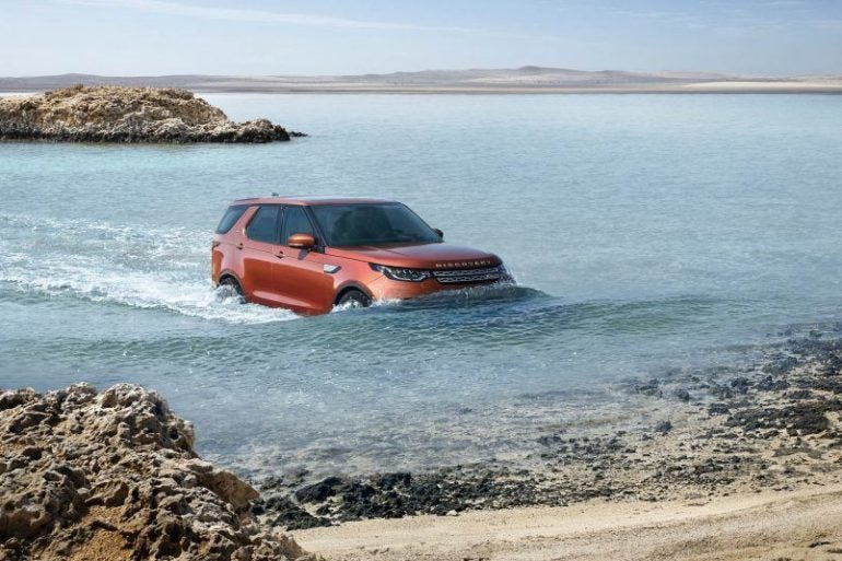 2017 Land Rover Discovery 102 876x535