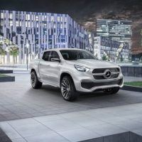 Mercedes-Benz X-Class concept Stylish Explorer Right Front Three Quarters