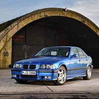 p90236528_highres_the-bmw-m3-compact-e_tn
