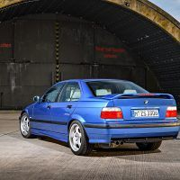 p90236529_highres_the-bmw-m3-compact-e_tn
