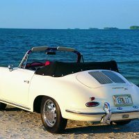The 356C/1600 SC cabriolet had a fully-lined top and more than ample headroom, but top down was the way to really enjoy the car. Photo: Dennis Adler.