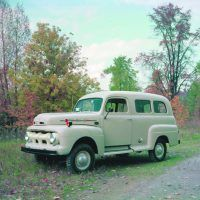 The 1952 F-1 pickups were identical to the previous models. Ford, however, did build different vehicles on the same platform, including this Five-Star Extra panel version.