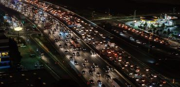 traffic jam 1703575 1280 370x180 - Safest Times For Driving: Does Your Commute Put You At Risk?