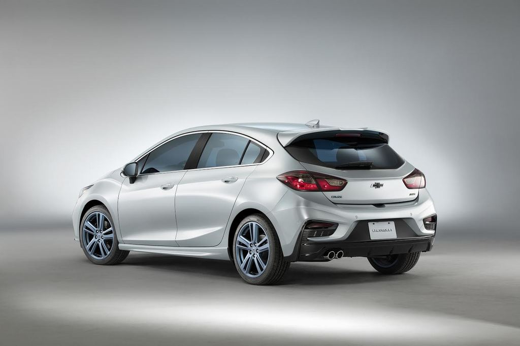 Chevrolet Cruze Hatch RS Blue Line Concept Left Rear Three Quarters