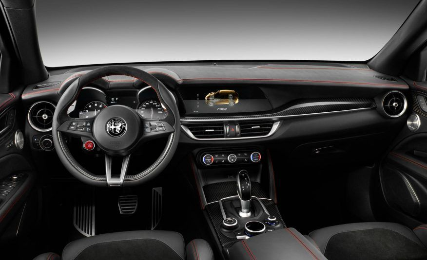 2018 Alfa Romeo Stelvio Dashboard