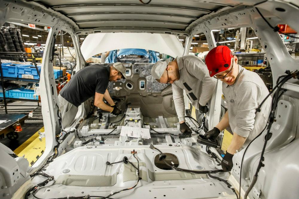 426158593_production_of_nissan_juke_and_qashqai_at_nissan_sunderland_plant